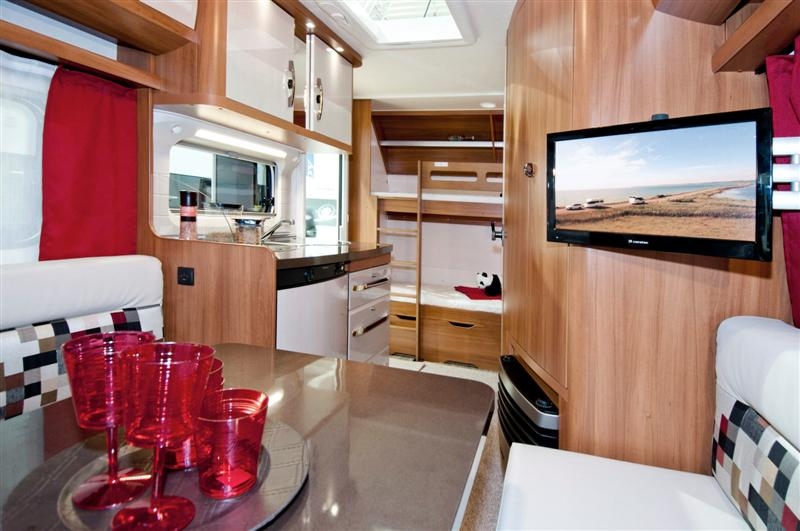 Hobby roulotte caravans 39 city genova for Interno roulotte